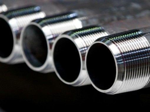 Нарезка резьбы на трубах: инструмент, приспособления, устройства, способы