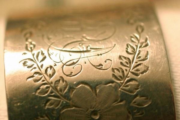 Гравировка на металле: виды, гравировка в домашних условиях