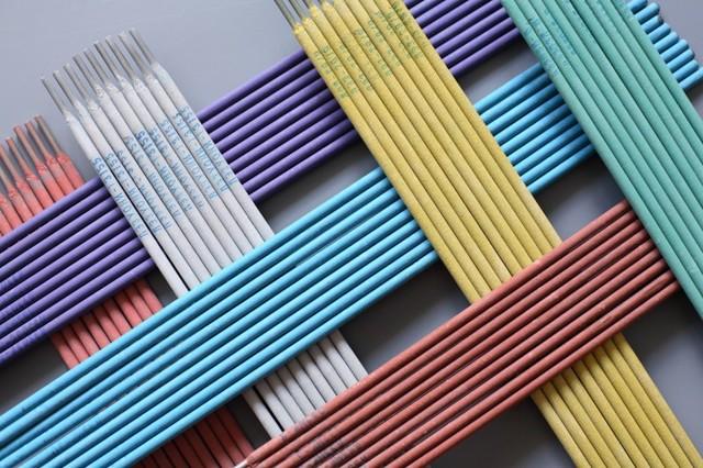 Электроды для ручной дуговой сварки: марки, покрытия, типы