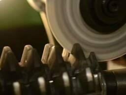 Заточка фрез по металлу: концевых, червячных - видео, фото