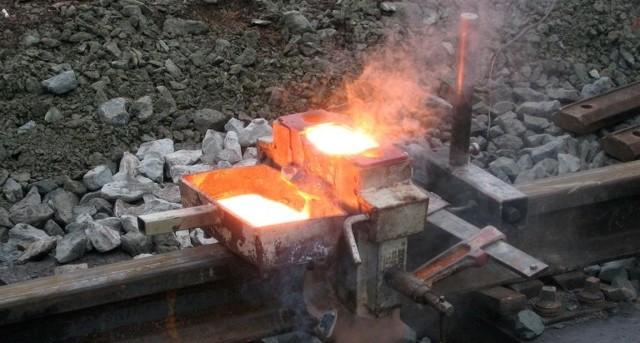Сварка взрывом различных металлов: технология, схема