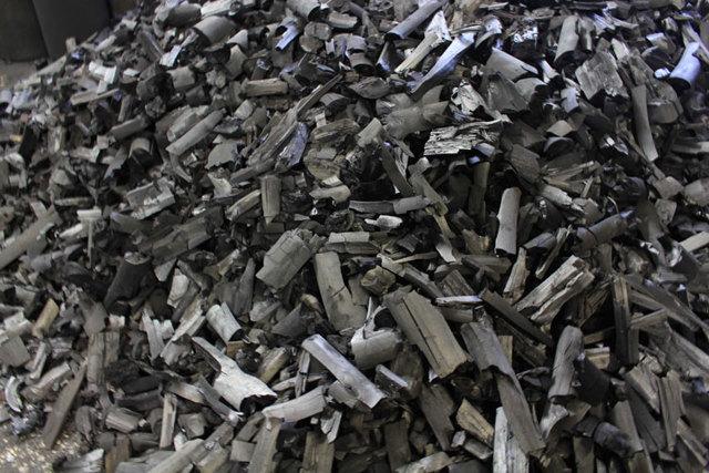 Древесный уголь: производство, свойства, виды сортов