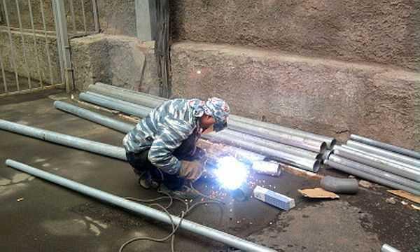 Сварка тонкого металла электродом: технология, электроды