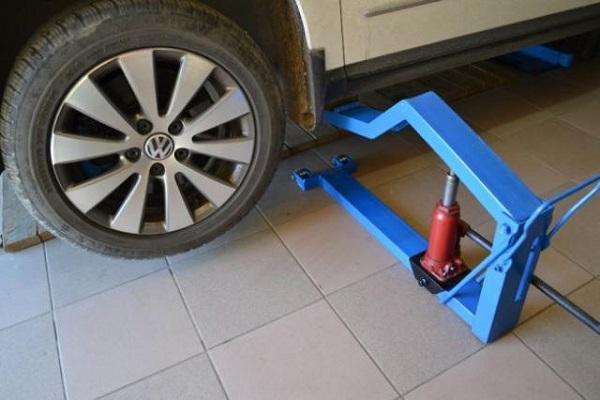 Подъемник своими руками автомобильный в гараж: гидравлический, ручной