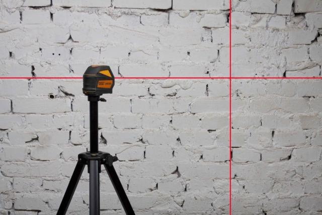 Как првильно пользоваться лазерным уровнем для выравнивания стен, пола, потолка