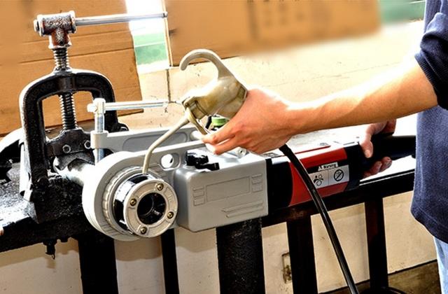 Клупп для нарезания резьбы: принцип работы, виды, производители
