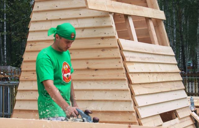 Плотник: обязанности, навыки, сферы работы