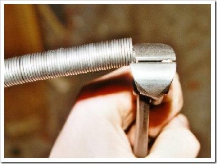 Как сделать пружину своими руками из проволоки и на производстве
