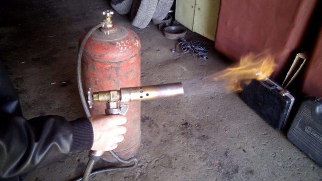 Кровельная газовая горелка: изготовление своими руками