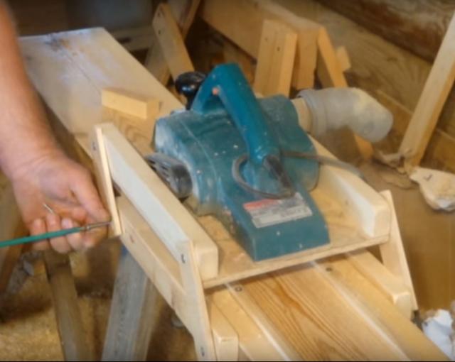 Как сделать строгальный станок по дереву своими руками