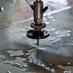 Резка металла водой на гидроабразивных станках